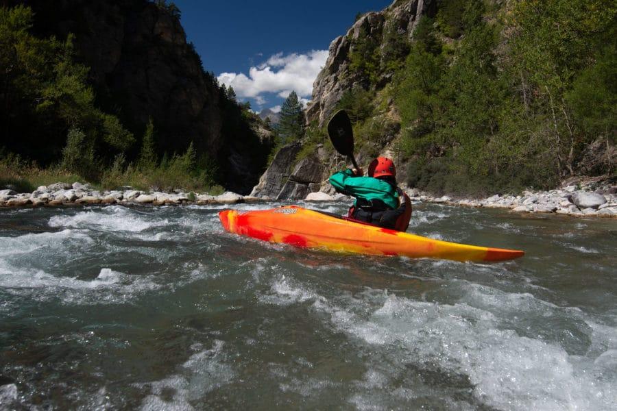 Initiation et perfectionnement en kayak dans les Hautes Alpes